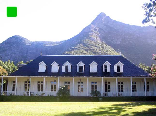 La maison eur ka l 39 ile maurice la demeure coloniale for Interieur maison coloniale